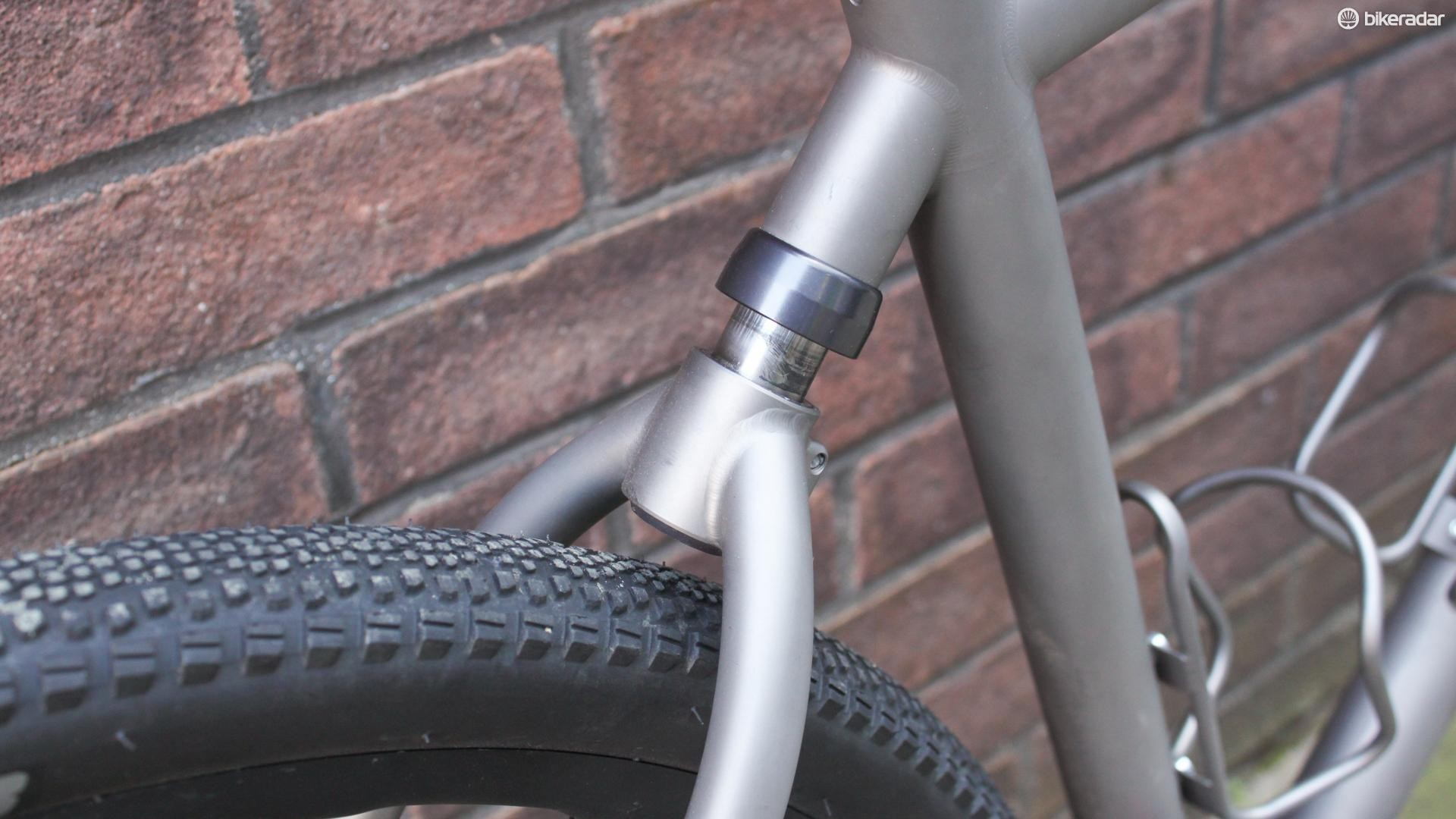 Rear suspension on a gravel bike? Sure, why not