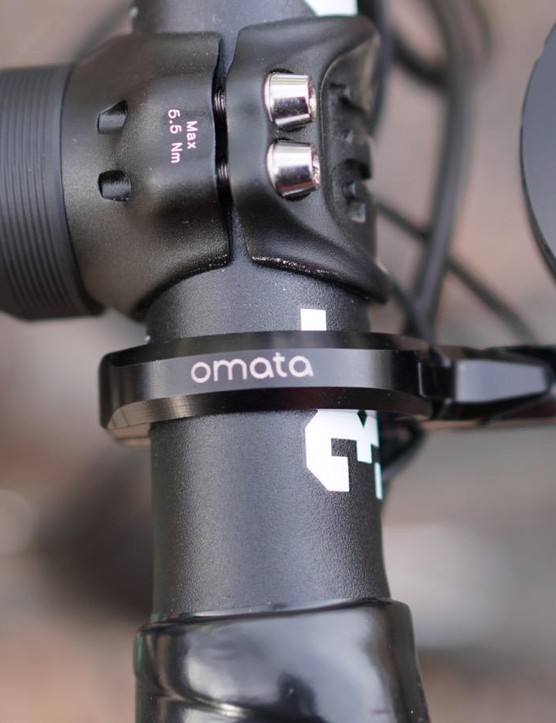 Omata's K-Edge mount is a nice touch