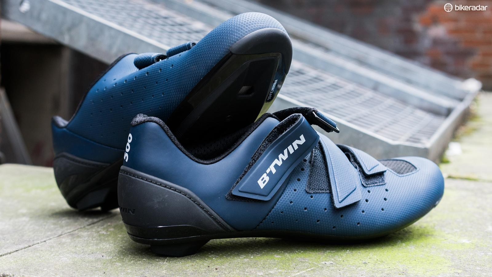 B'Twin's 500 Road Shoes are budget friendly and not at all bad looking