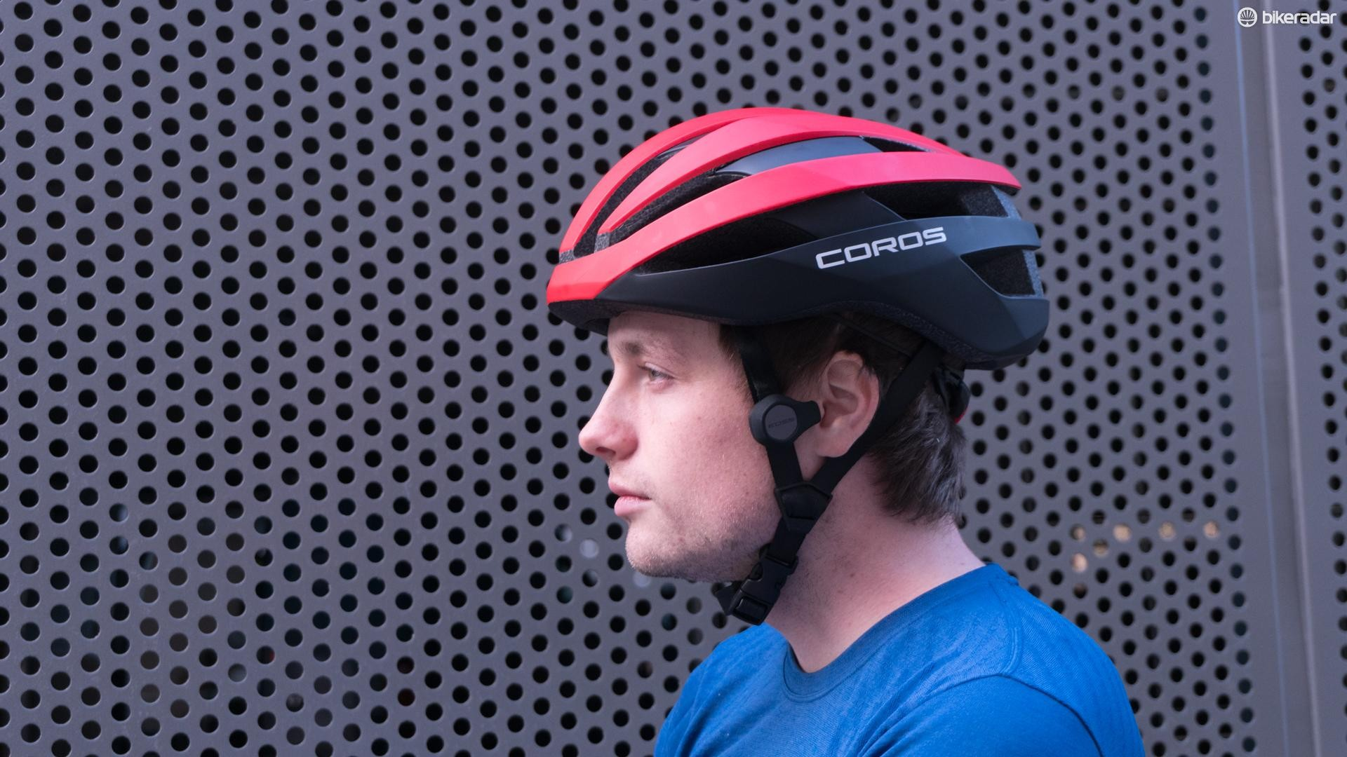 Externally, the Coros SafeSound looks more or less like any other road helmet