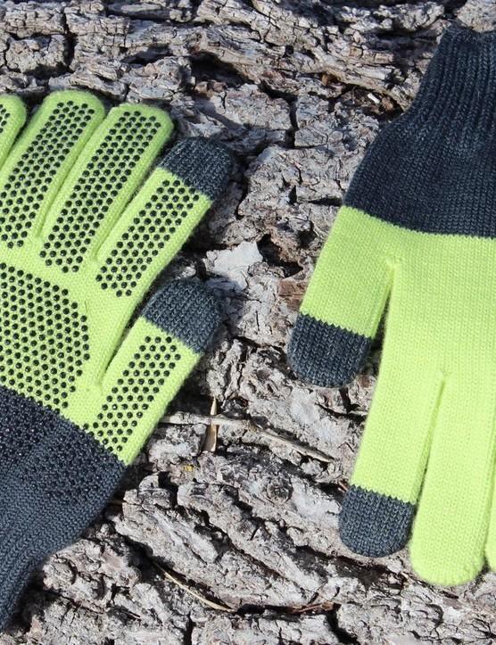 Giro Knit Merino Gloves work with your smartphone