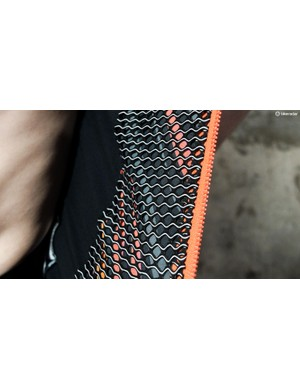 The R&D jersey features a mesh lining on the front panels of the jersey to wick sweat and provide insulation