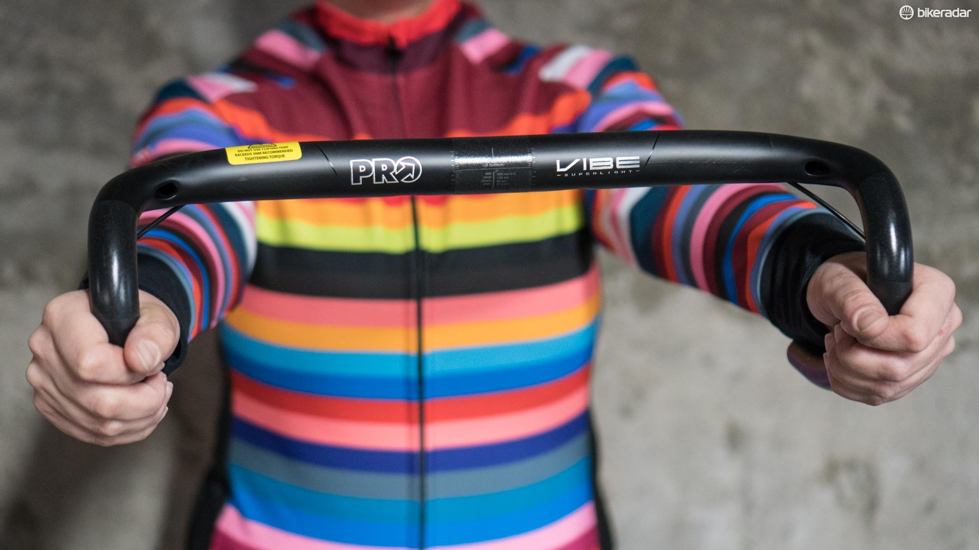 The Pro Vibe SL carbon handlebar feels light and feathery but pretty tough to boot