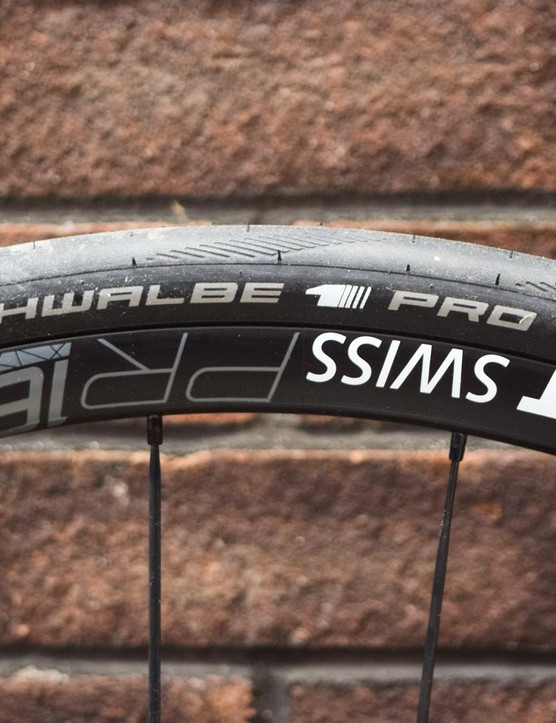 The Canyon comes with tubeless-ready wheels and tyres as standard