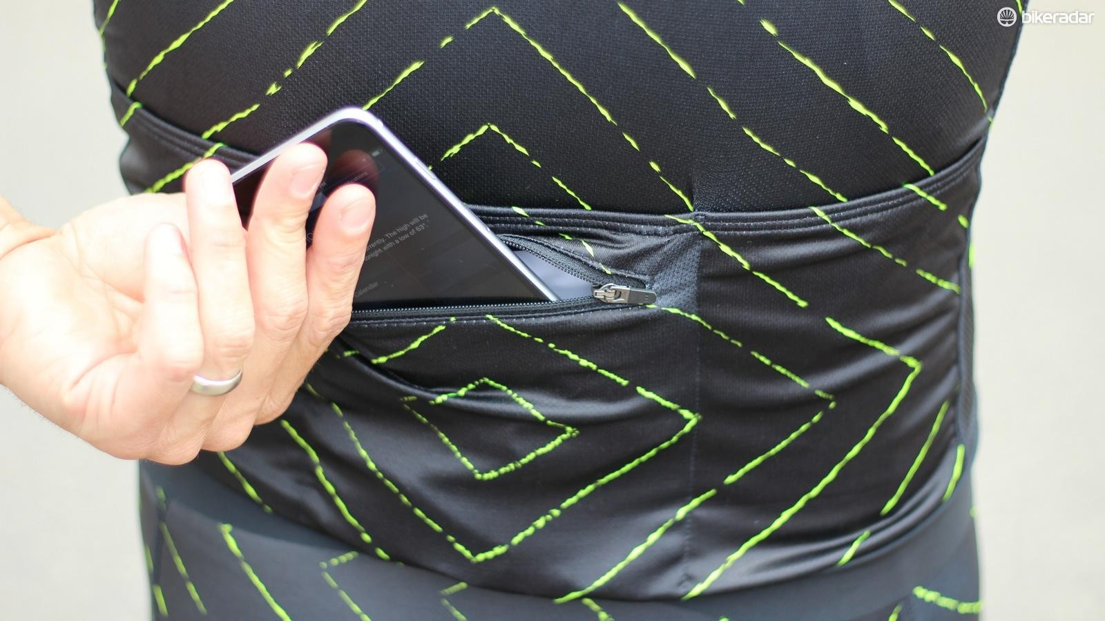 The main selling point on the Edge jersey is the waterproof phone pocket