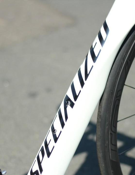 The sculpted down tube wraps around the front wheel and features what for Specialized is a surprisingly low-profile logo