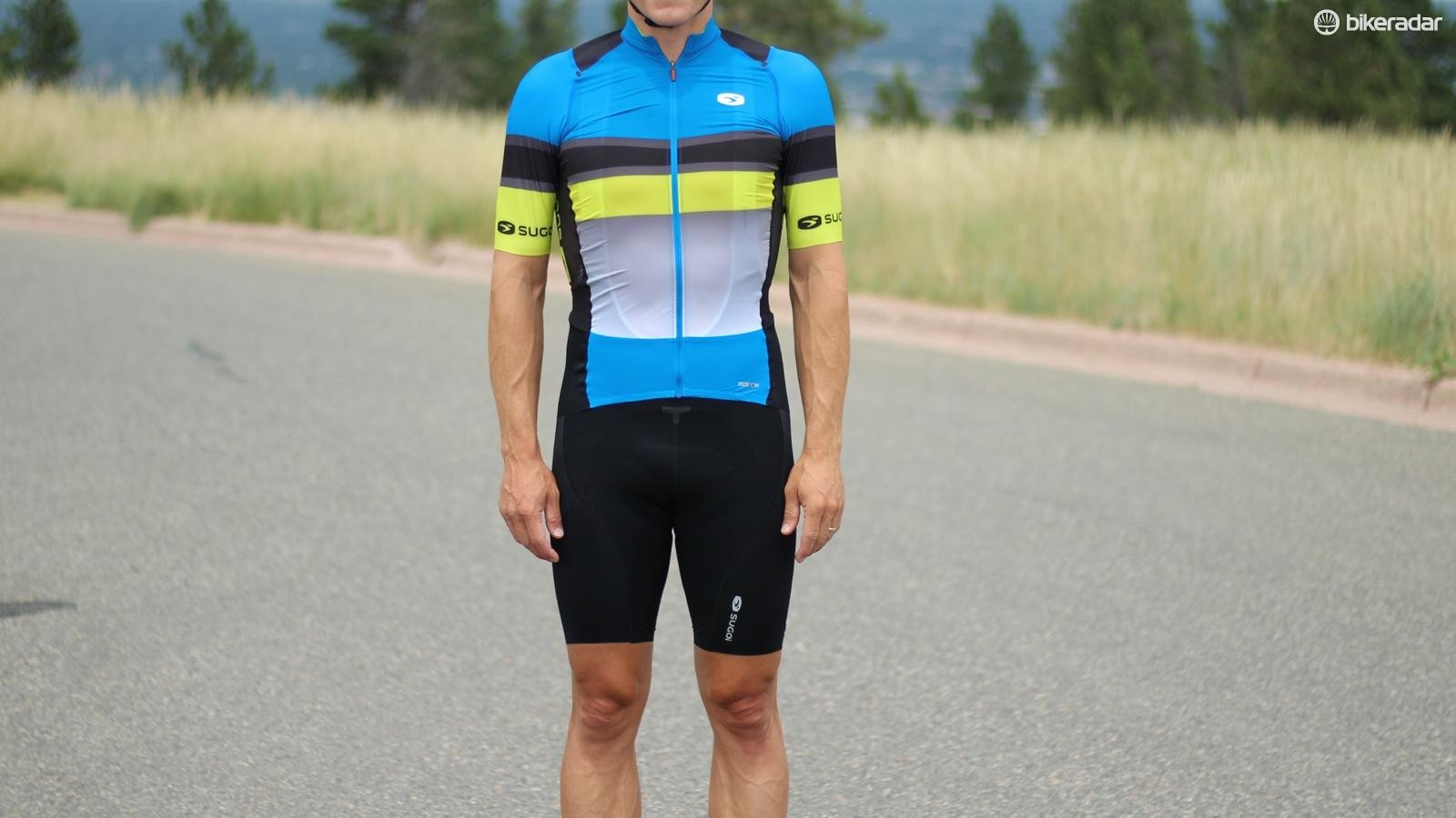 The Sugoi RSE kit is thin and lightweight with seamless grippers