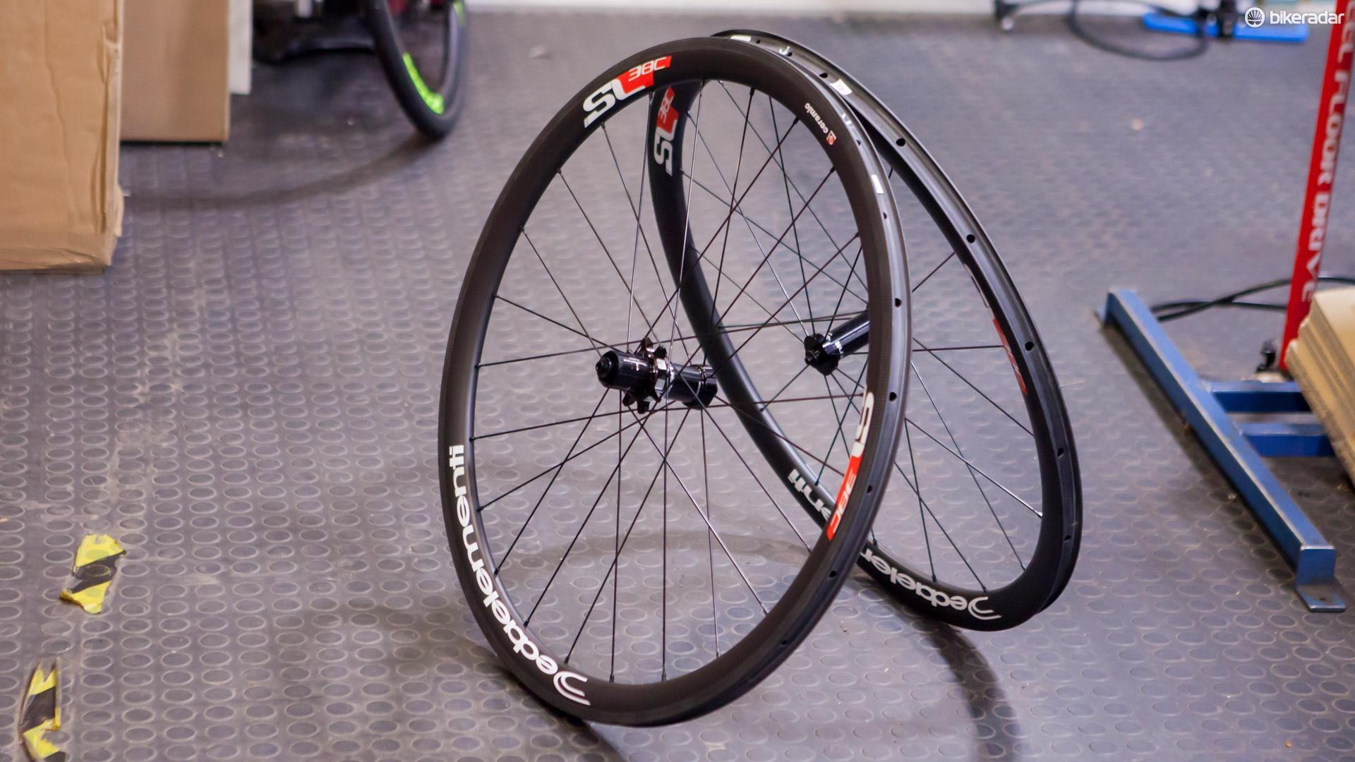 Deda's latest lightweight carbon clinchers