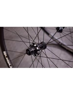 Ceramic bearings keep everything rolling super smooth