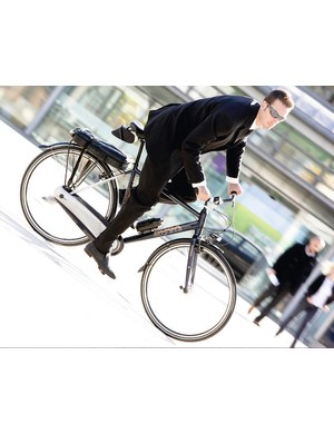 Go Dutch on a Koga Miyata. The CityLite Gents' sit up and beg style means you can look car drivers in the eye as you spin past…