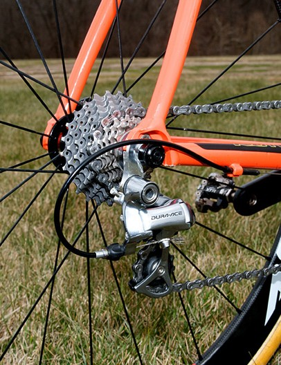 A machined aluminum driveside chain stay stub yields extra chainring clearance