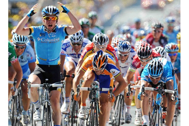 Britain's Mark Cavendish (L) of Team Columbia, wins the 232km fifth and longest stage of the 2008 Tour de France between Cholet and Chateauroux. He beat Oscar Freire (C) (Rabobank), triple world road race champion (1999, 2001 and 2004) and German Erik Zabel (R) (Milram).