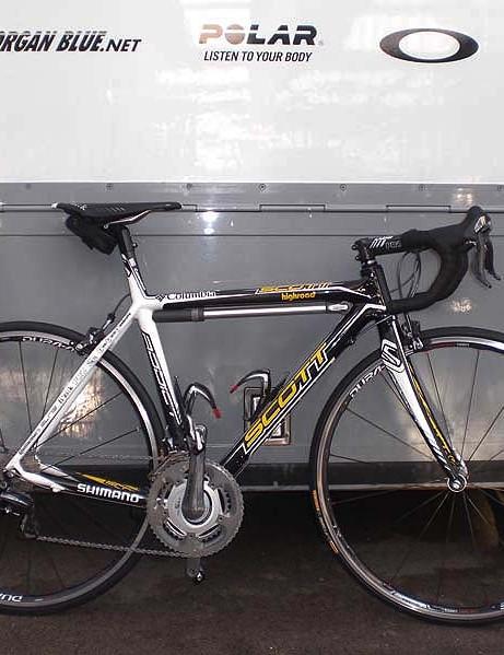 Team Columbia sprint superstar Mark Cavendish heads into the 2009 season aboard a new Scott Addict LTD.