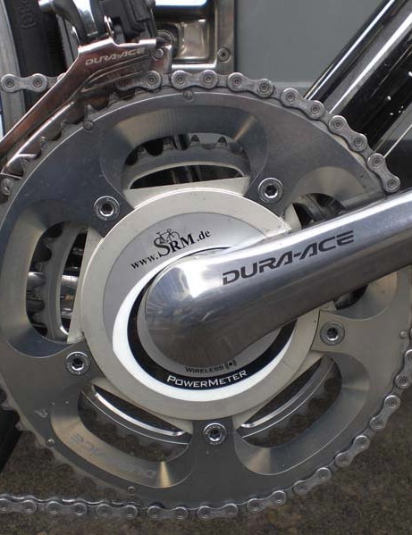 SRAM hasn't yet integrated the new Dura-Ace 7900 crankarms into its design so Cavendish continues on with last year's version.