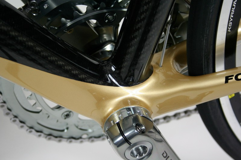 The down tube, seat tube and chainstays meet in a huge joint to carry the front triangle's stiffness to the back end of the frame
