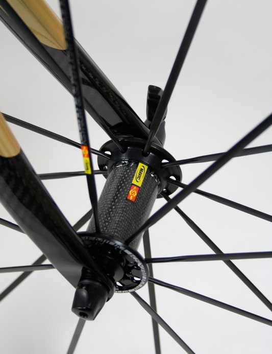 Mavic's Ksyrium SL Premium front hub is a combination of carbon and aluminium