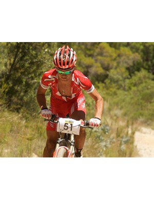 Burry Stander confirmed his world-class status when he charged to a dominant victory in the Pro-Elite men's race.