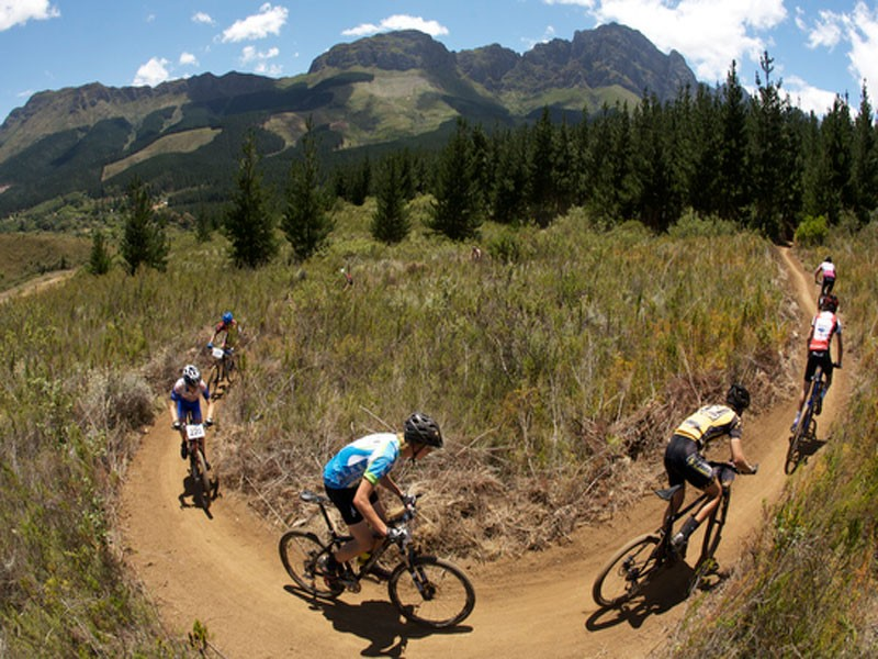 A field of more than 300 of South Africa's top cross-country racers did battle on the 8.2km course.