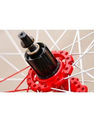 The aluminum freehub body is easily swapped  for use on Shimano, Campagnolo or SRAM drivetrains.