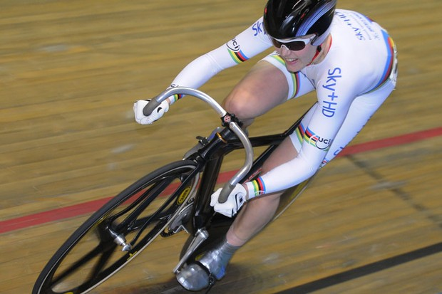 Sky+HD's Vicky Pendleton cruises to another win in the 500TT
