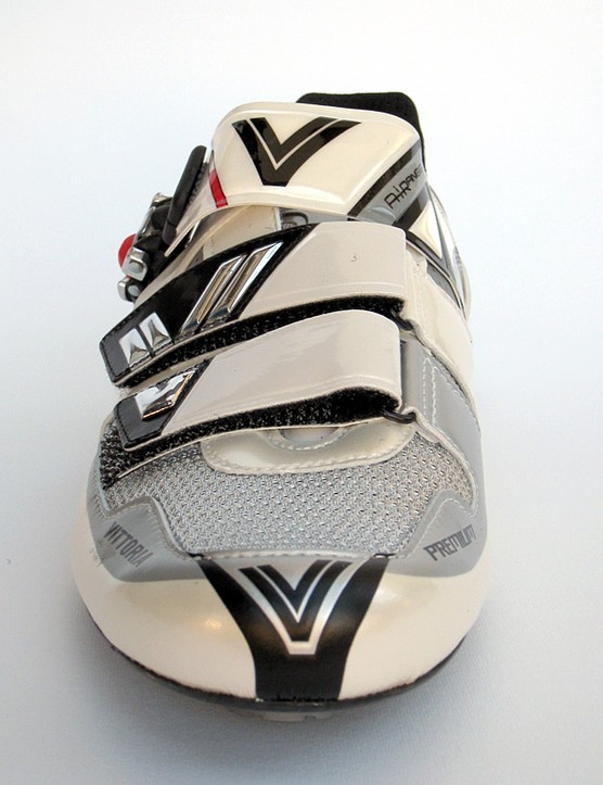 The silver V is for Vittoria and make for a nice look; reminding you of the past wins by Marco Pantani and Stephen Roche