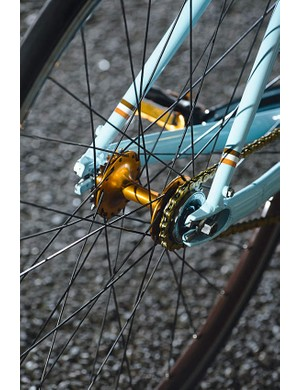 For those who don't fancy riding fixed all the time, the flip-flop hub gives you the option of freewheelin' singlespeed action