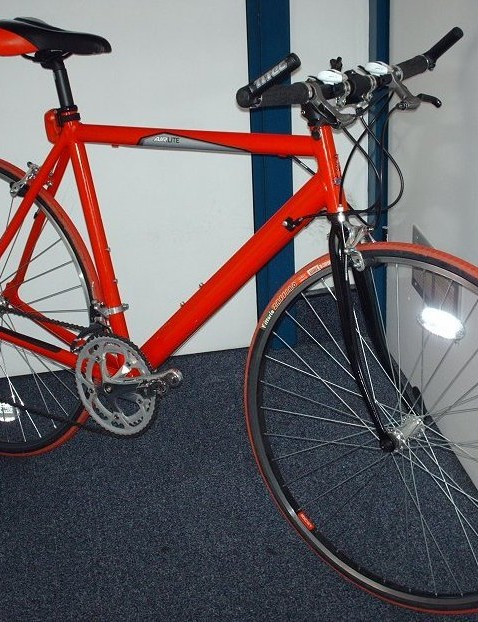 benzjammin1980's 2006 Raleigh Airlite that cost him a sweet £55