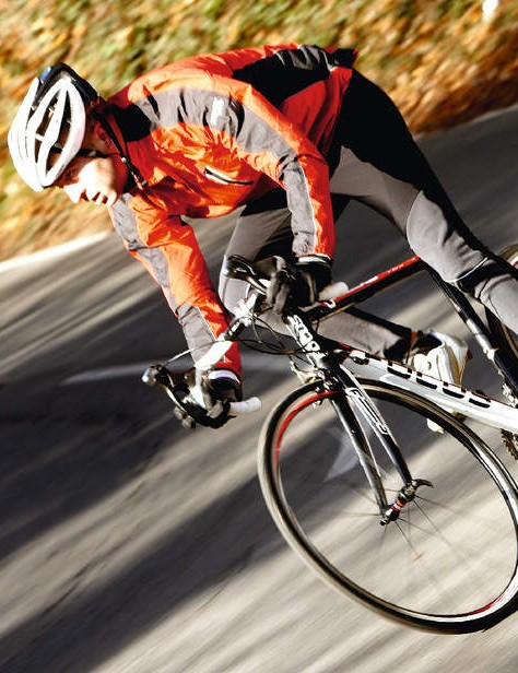 Lightweight and flex-free where it really matters, the Cayo offers a responsive ride and neutral handling.