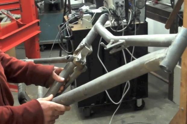 Santa Cruz carbon Blur XC testing mule