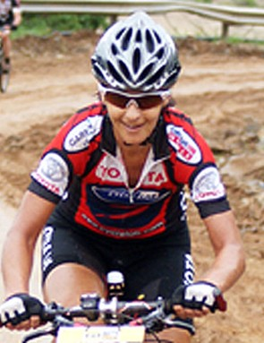 Yolande de Villiers had reason to smile after returning from a long injury layoff to win the women's race comfortably.