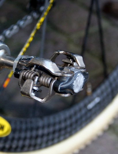 Nys has Shimano's top off-road XTR mountain bike pedals. This one bears the scars of a crash