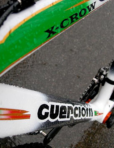 Guerciotti's championship paint job features the green, red and white of the Italian flag