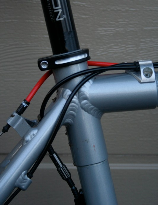 Compton's frame is made up of a scandium rear end and lugs to which are bonded Edge Composites carbon fibre tubes