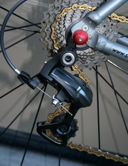Compton is one of a very few 'cross racers who have made the transition to the new 7900 groupset, but she had to buy it herself so she feels no obligation to give Shimano unearned exposure