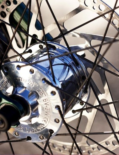 Avid disc brakes are excellent performance, but their inelegance suggest they're not ideal