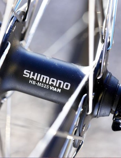 Shimano M525 disc hubs offer simple cuip and cone servicing