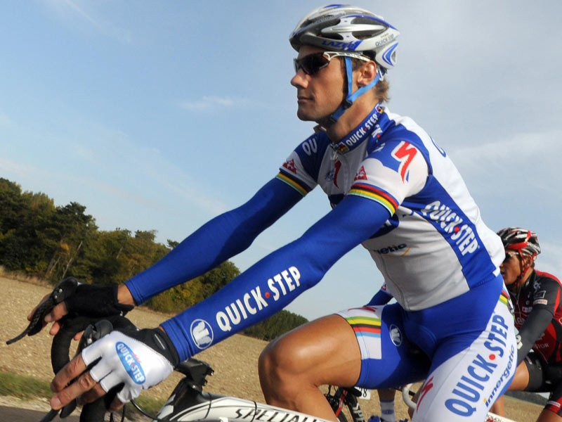 Belgian Tom Boonen rides in the pack during the Paris-Tours cycling race on October 12, 2008 between Paris and Tours