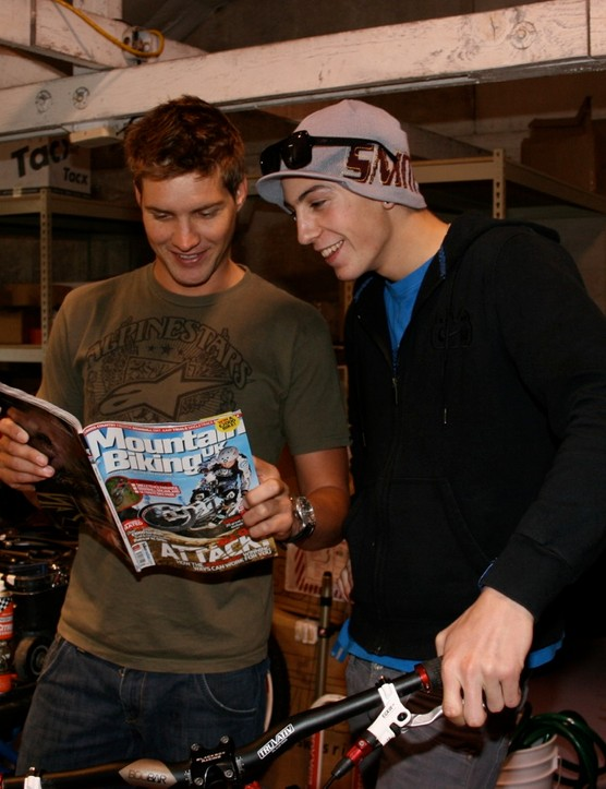 Syndicate riders Greg Minnaar and Josh Bryceland reading the world's best mountain bike magazine.