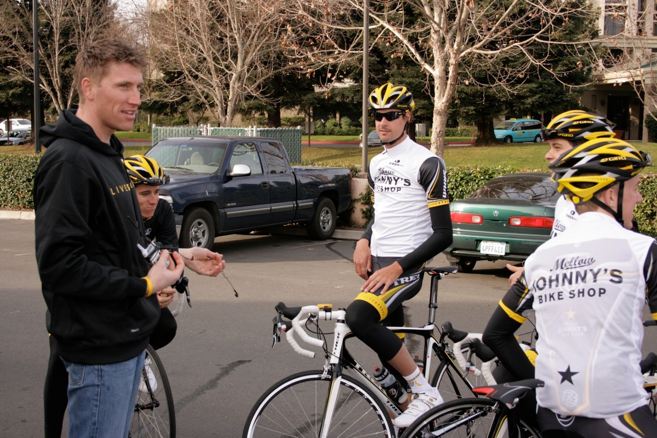 Team director Axel Merckx gives the team a pre-ride pep talk in Santa Rosa, CA February 4, 2009.