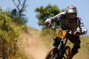 Timothy Bentley won the Junior men's title and finished sixth overall