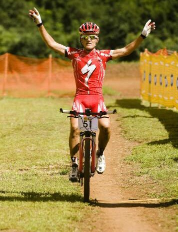 Burry Stander crosses the finish line at Mankele to secure his second consecutive win in the 2009 MTN National Cup Series