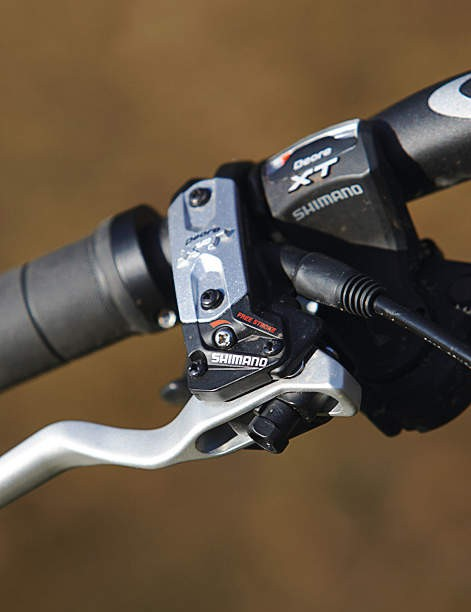 We love the adjustable lever feel and modulation of XT brake levers