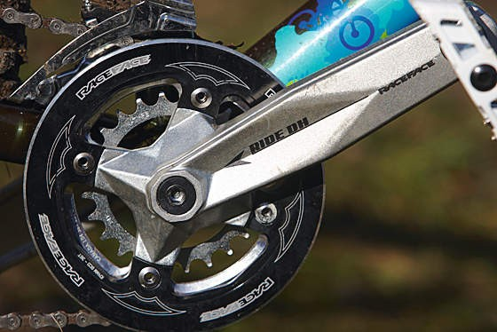 RaceFace's Double Plus bashguard crankset is ideal on the Five-O