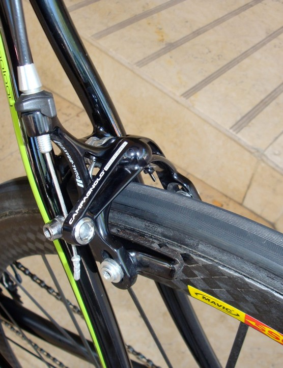 The seat stays now look to be separate nearly all the way to the seat tube relative to the current version's more wishbone-like configuration.