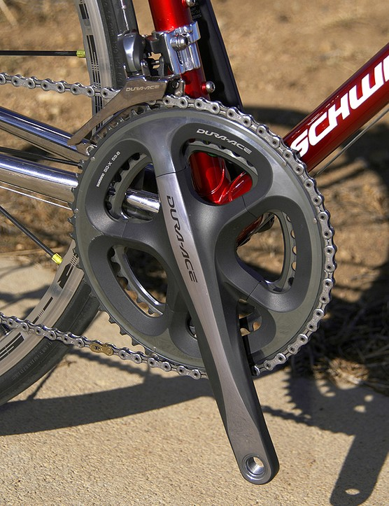 The new Dura-Ace 7900 crankset provides an interestingly modern-looking contrast to the retro-look frame.