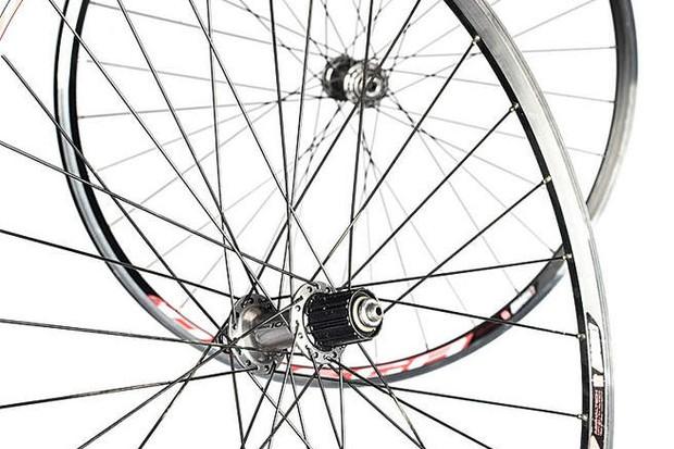 road wheelset mach 1 omega rims on shimano 105 hubs bikeradar mach 1 omega rims on shimano 105 hubs
