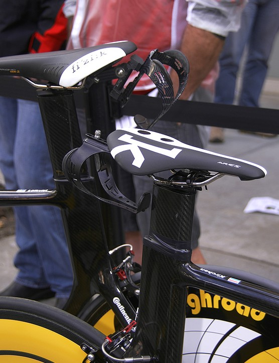 Several studies have shown rear-mounted bottles to be slower than frame-mounted ones but what if the bottle is oriented horizontally?  Hmm…