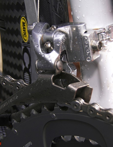 A dimple in the seat tube allows some breathing room	for the SRAM Red front derailleur.