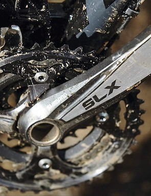 Shimano's superb SLX groupset has all the good bits of XT: long lived steel composite middle chainring, powerful Servo Wave braking, dual direction shifting and Shadow rear mech.