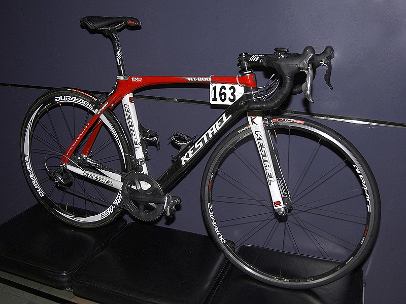 Francisco Mancebo (Rock Racing) took a glorious win on stage 1 of the 2009 Tour of California aboard a Kestrel RT800.
